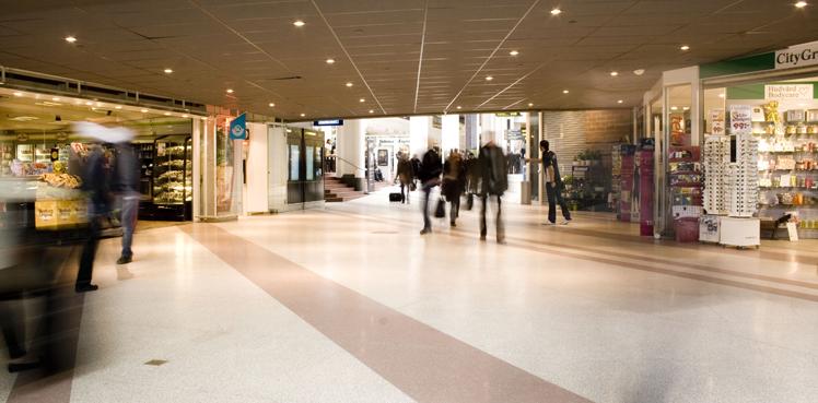 Flöden av människor i den uppdaterade, stora fjärrbussterminalen Cityterminalen, av Rex Arkitektbyrå
