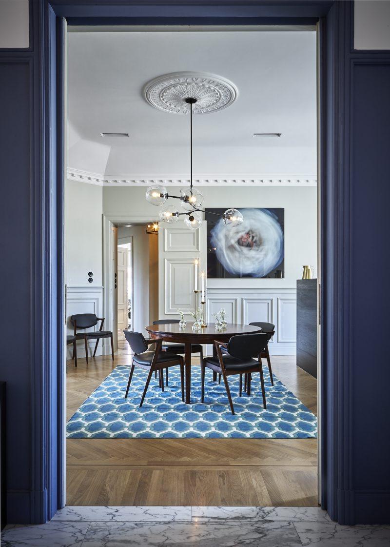 Vacker matsal i lägenheten på Karlaplan i Stockholm av Rex Arkitektbyrå