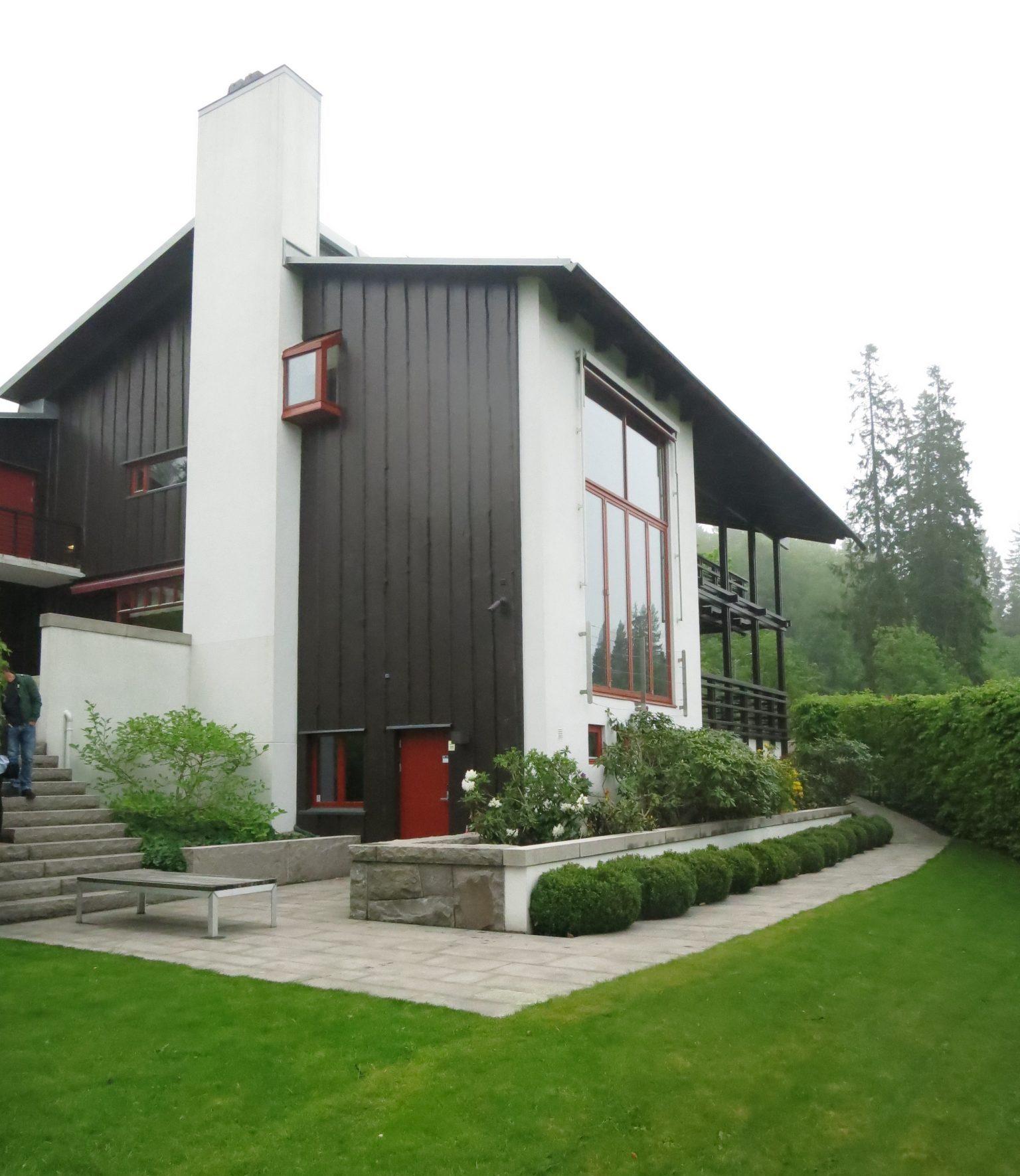 Framträdande skorsten i Villa Holmenkollen i Norge, ritad av Rex Arkitektbyrå