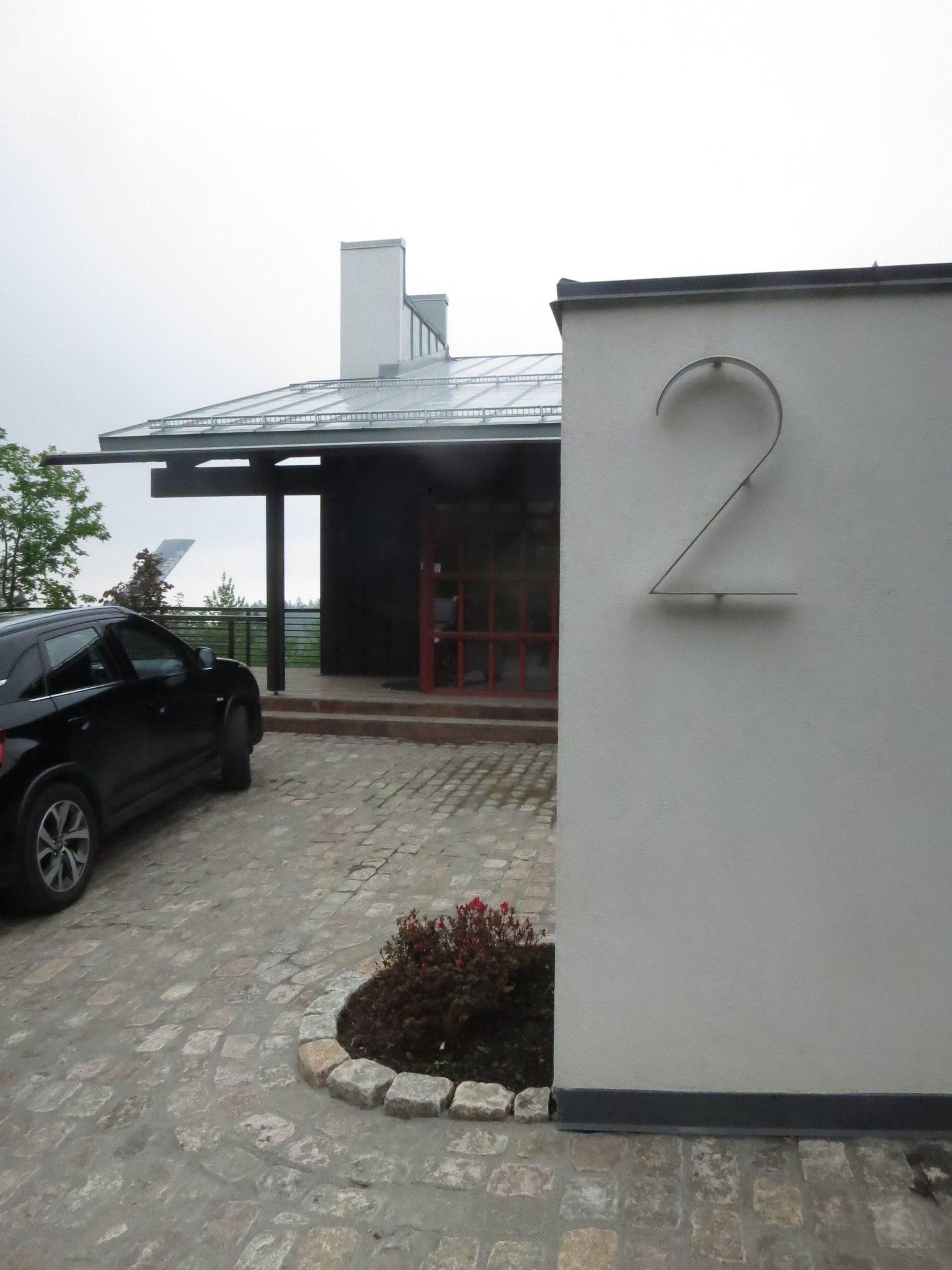 Entré till Villa Holmenkollen i Norge, ritad av Rex Arkitektbyrå