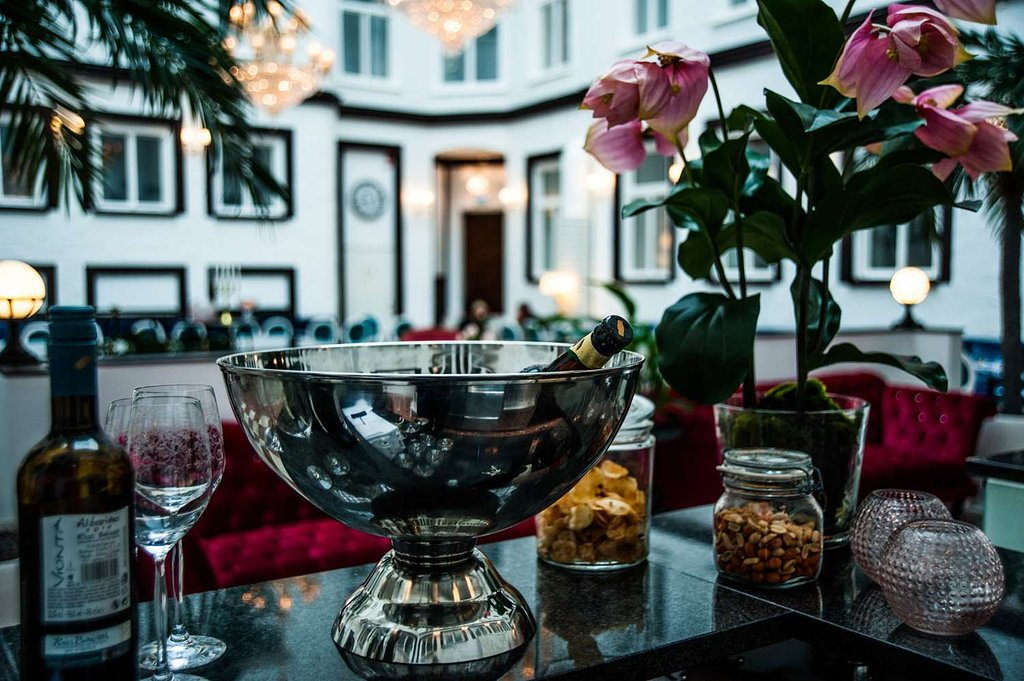Best Western Hotel Bentleys i Stockholm ritat av Rex Arkitektbyrå. Ny inglasad gård